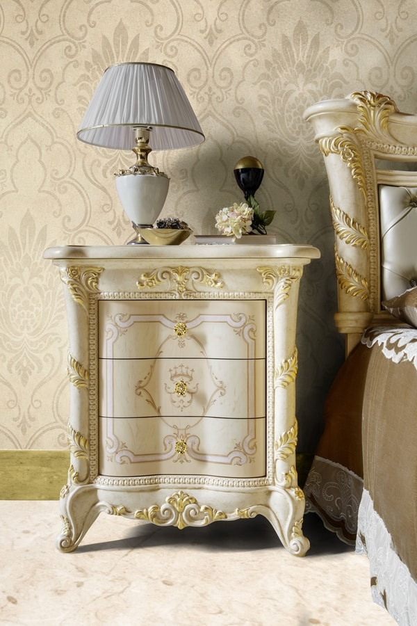 Madame Royale bedside table, Luxurious classic bedside table