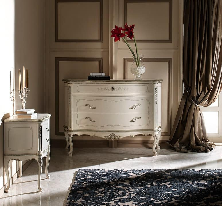 P 701 L, Lacquered nightstand, with decorations in '700 style
