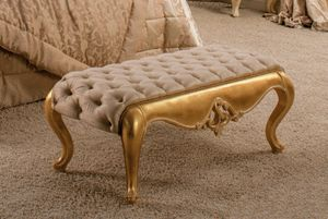 Art. 1389, Bench with silk upholstery, and capitonn� padding