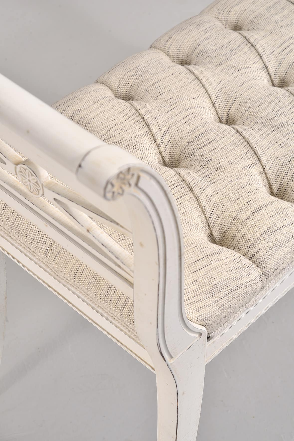 DIVA bench 8016L, Bench in classic style, in beechwood, upholstered, for lobby