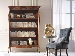 Venere bookcase, Bookcase decorated with gold leaf carvings