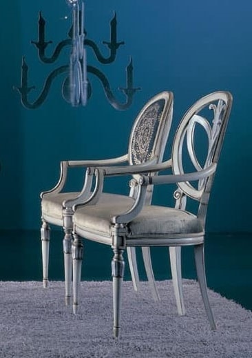 120PI, Chair with carved armrests