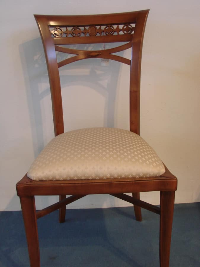 Art. 120, Empire style chair with padded seat