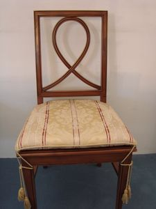 Art. 121, Dining chair with padded seat