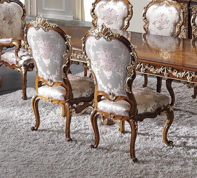 ART. 2969, Classic chair with gold details