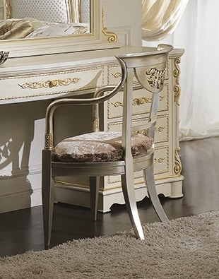 ART. 2989, Classic chair for bedrooms