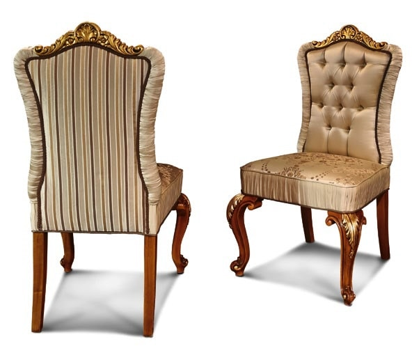 Art. 633, Elegant chair with carved legs