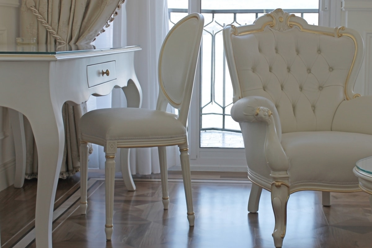 Rotondo faux leather, Classic padded chair