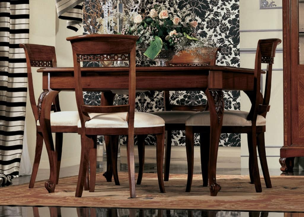 Settecento chair, Upholstered chair, in solid walnut, polished, classic