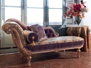 Arianna, Carved chaise longue, lacquered decapè finish
