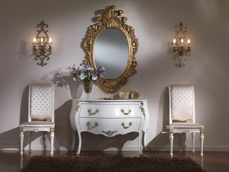 714 CHEST OF DRAWERS, Luxury classic chest of drawers, with bronze decorations