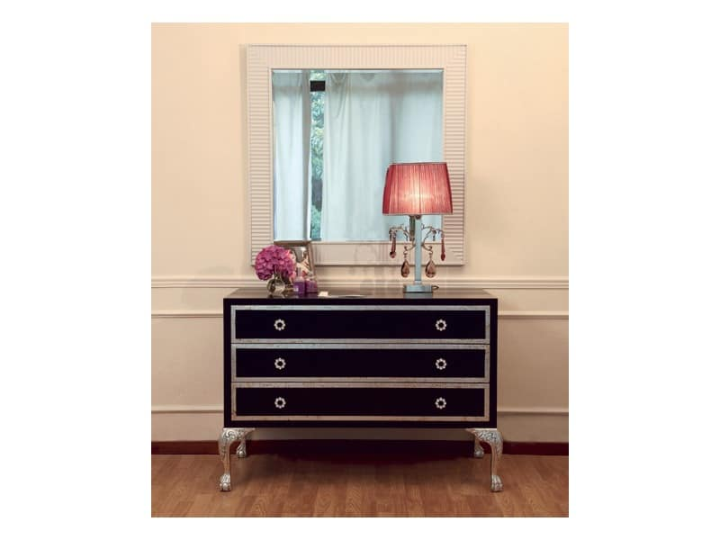 Art. 2230B Silvia, Chest of 3 drawers, made of wood with silver trim