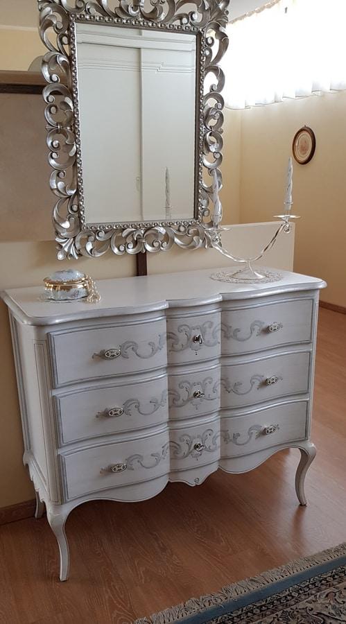 Art. 300, Dresser with undulating front