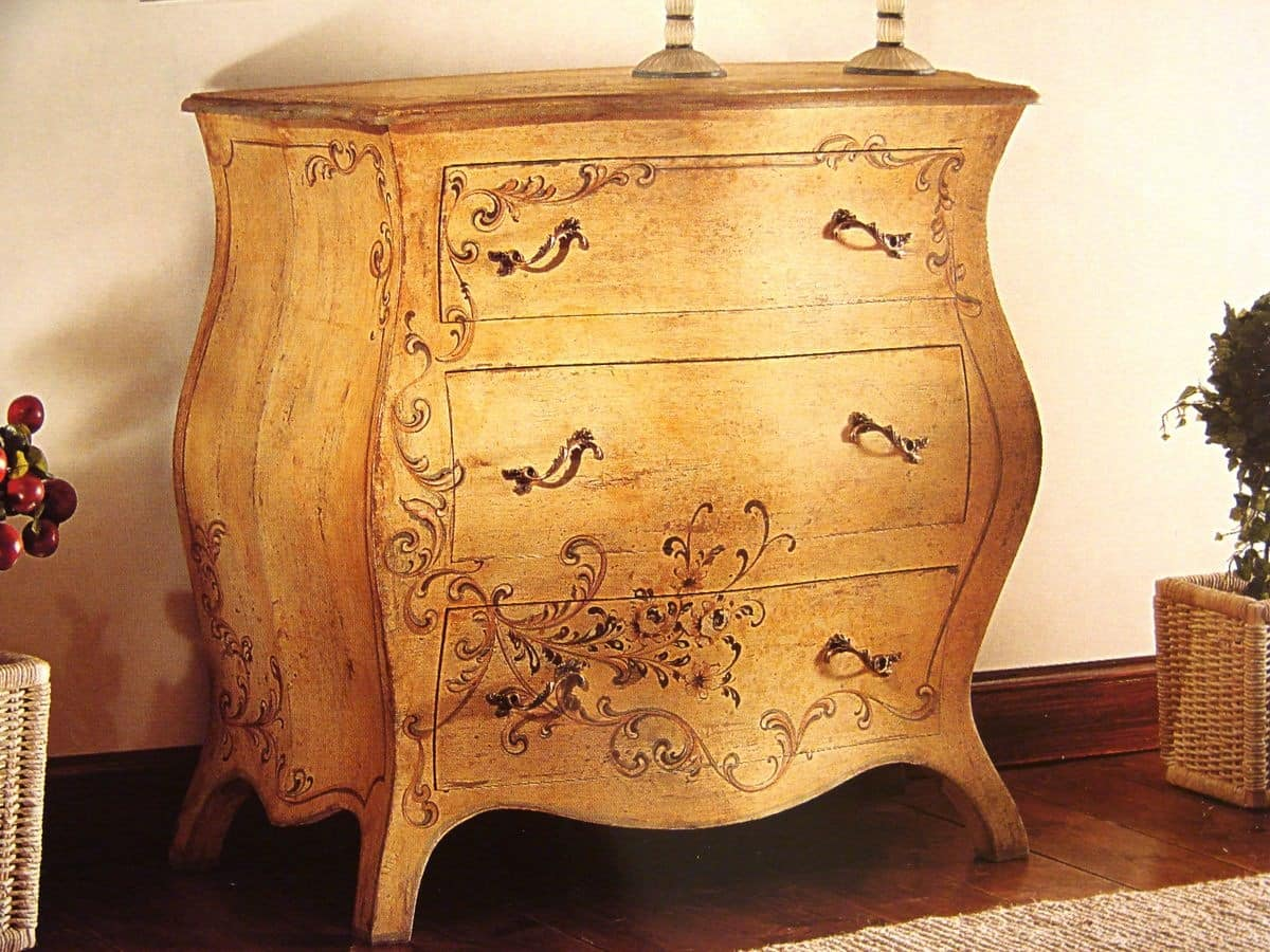 Art. 902, Patinated chest of drawers with decorations, classic style