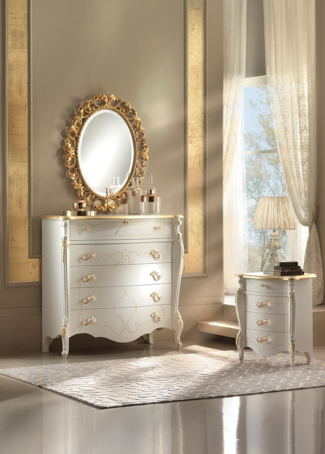 Diamante Art. 2505, Classic chest of drawers with carved decorations