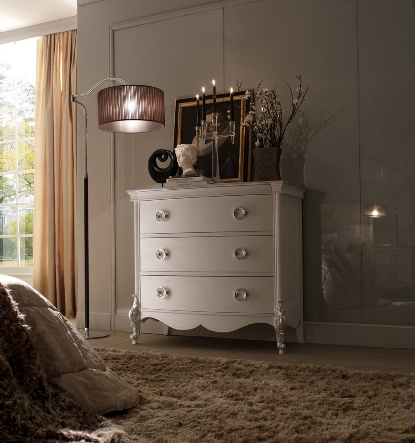 Liò white lacquered chest of drawers, Elegant lacquered chest of drawers