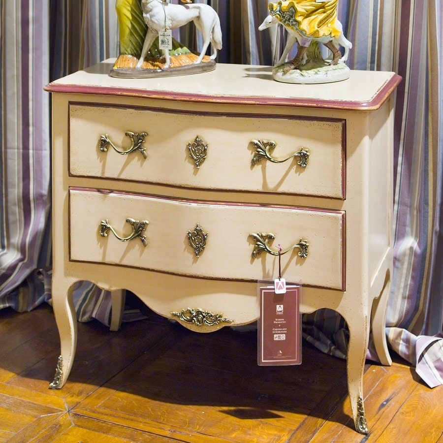 Oscar FA.0070, Transition regional dresser in wood, with small floral decoration