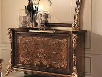 Sinfonia dresser, Classic dresser with richly decorated side columns