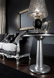 715 TAVOLINO, Classic side table with black glass top
