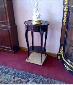 Art. 142/L Lione, Oval side table with drawer