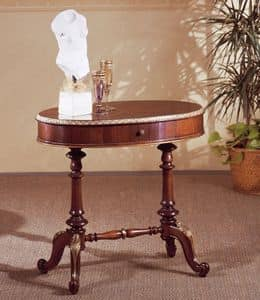 Art. 208, Classic small table, in carved wood, with round top
