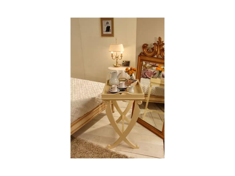 Art. 3301, Coffee table in beech, glass top, for classics living rooms