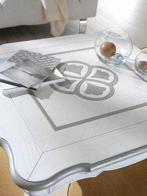 F 502, Lacquered coffee table in ash, with relief decoration