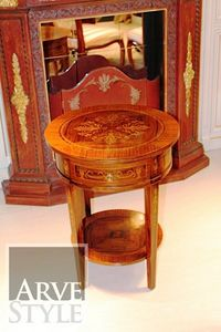 Mary side table, Round side table with bois de rose inlay