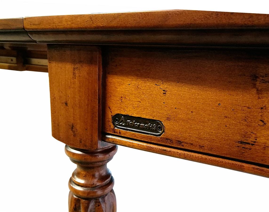 Avignon VS.5557, Extendable console in walnut, for hotel entrances