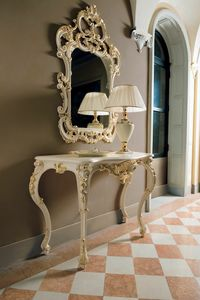 Opera consolle, Console in carved wood