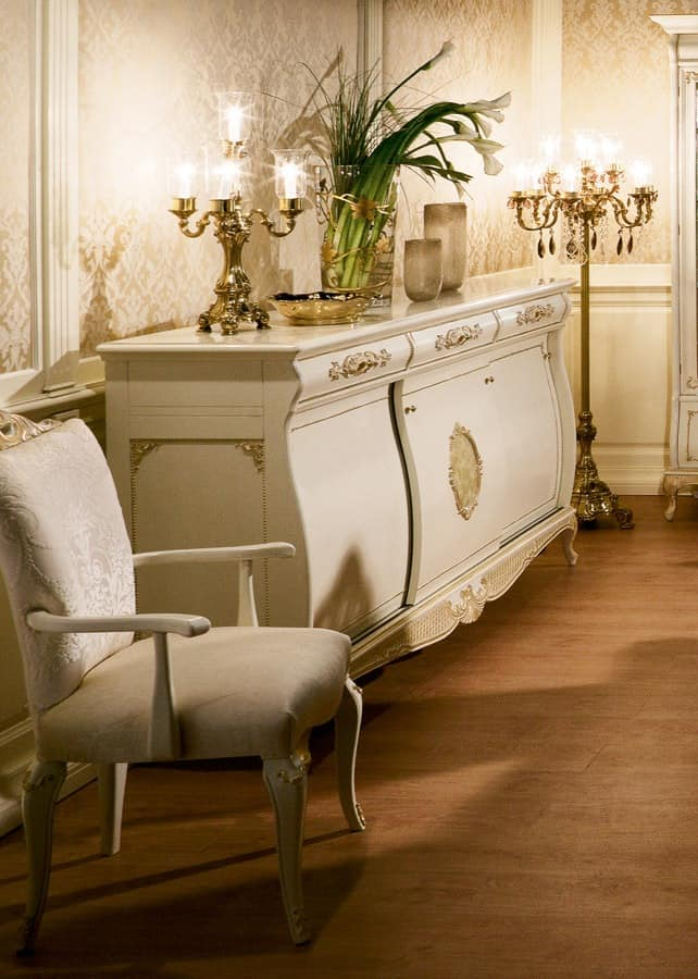 Art. 1066, Lacquered sideboard with sliding doors, Provencal style