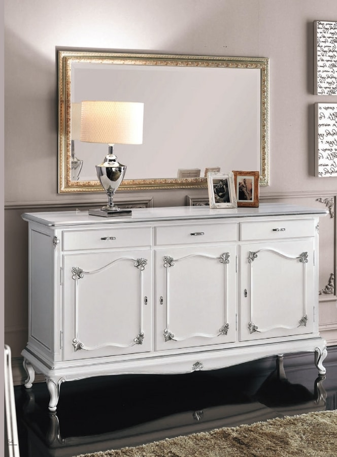 Art. 3160, White lacquered sideboard