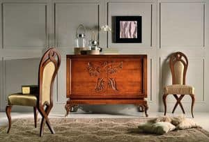 Art. 754, Classic sideboard with floral carvings on the 2 doors