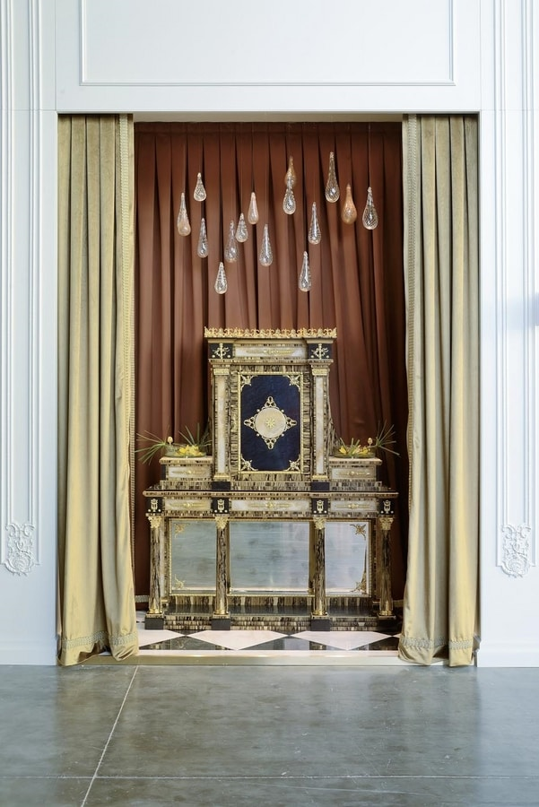 Cabinet 5839, Solid Tulipier cabinet