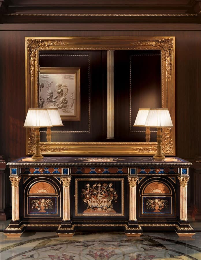F950, Sideboard in hand-carved wood, classic style
