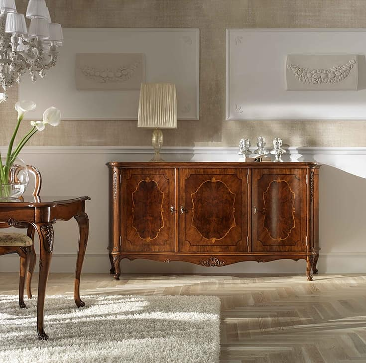 P 102, Sideboard with 3 doors, carved, in style '700