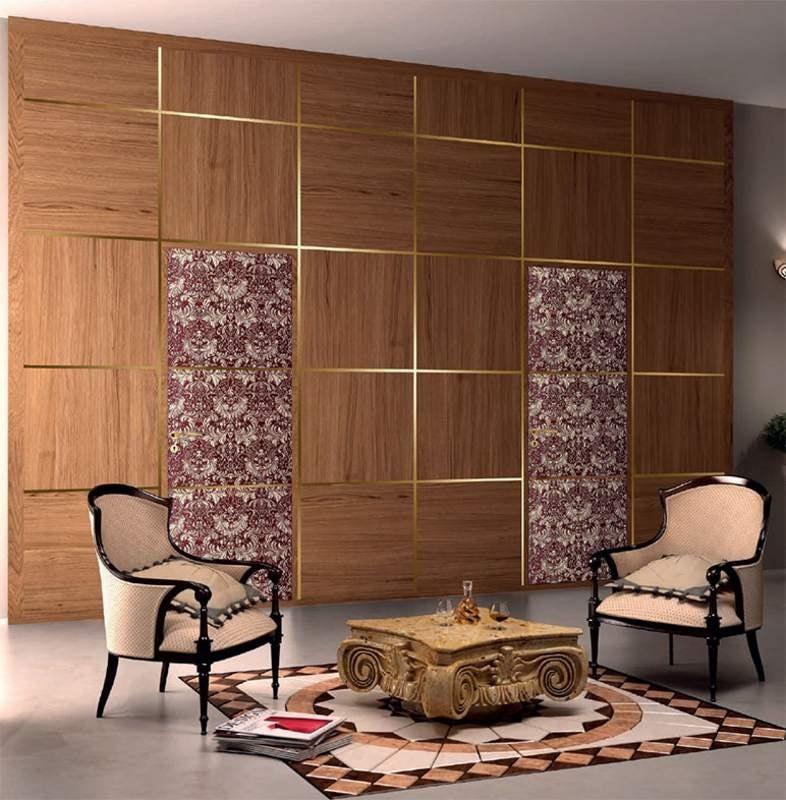 Arbat boiserie, Elegant wall with boiserie