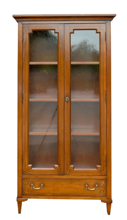 Antibes VS.6531, Display cabinet in walnut with 2 doors, for classic environments