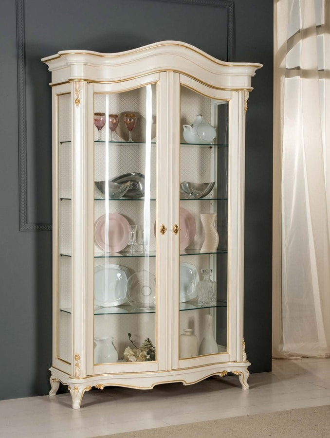 Art. 3712, Refined showcase in classic style