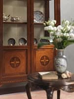 Art. 910 display cabinet, Elegant showcase with glass shelves, inlaid doors, classic style