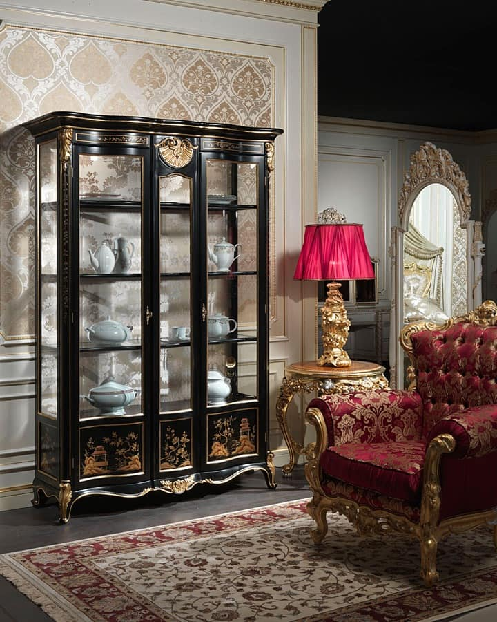 Art. 951/3 Showcase, Showcase in classical style, with refined decorations made by hand