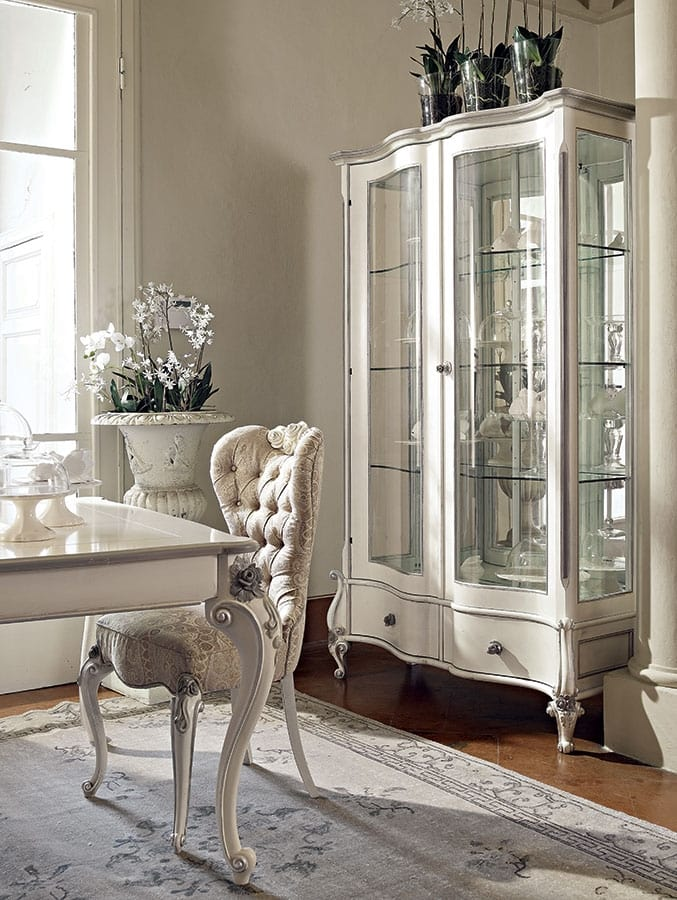 Carpi display cabinet, Carved display cabinet, with white and silver finish