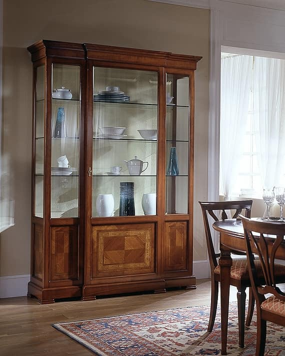 D 203, Luxury classic display cabinet with advanced body