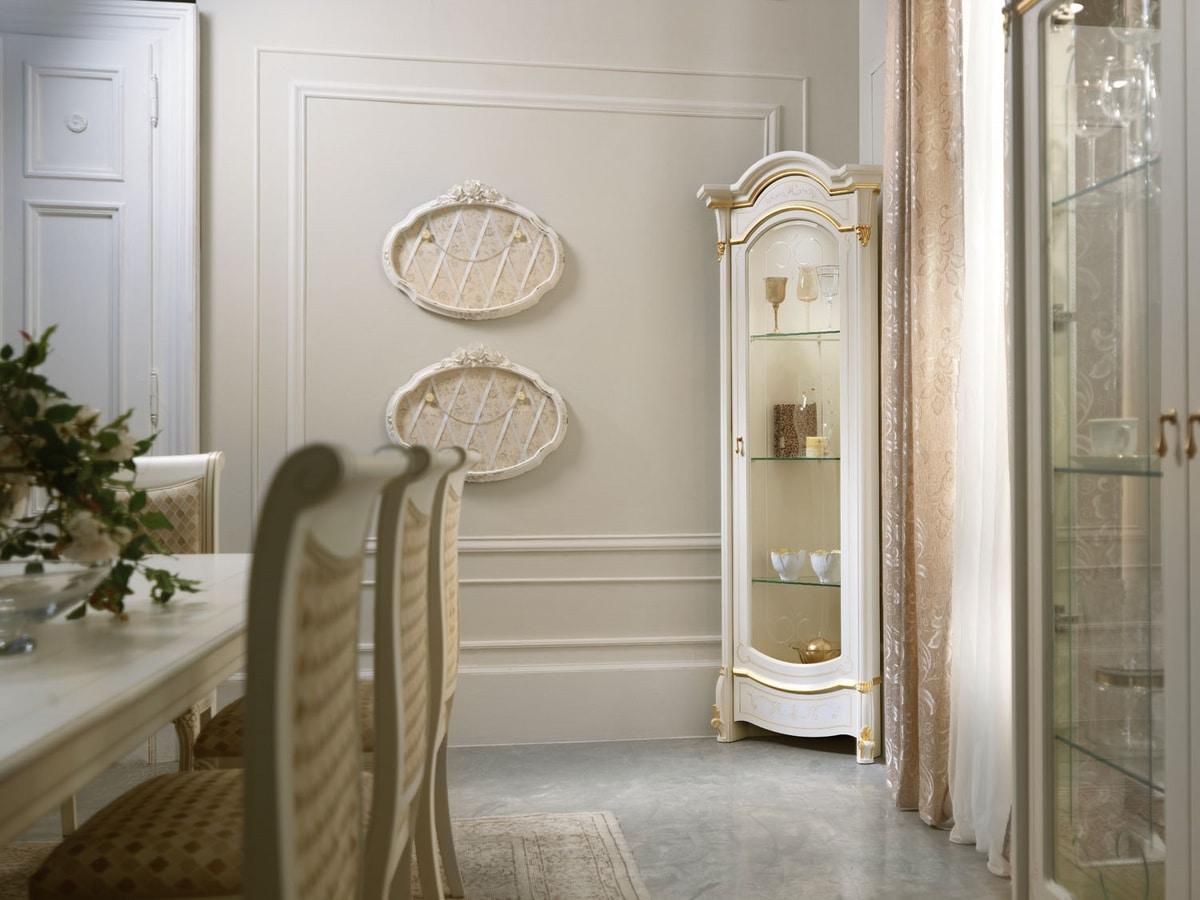 Diamante Art. 2604, Corner showcase with a refined design