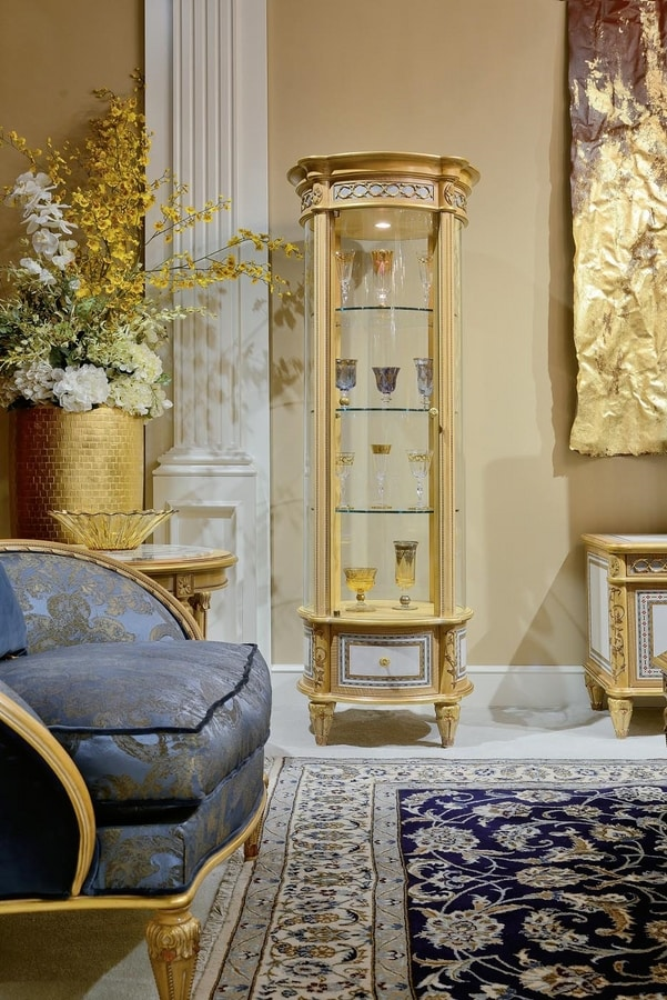 Display cabinets 1441/1442 Louis XVI style, Bright and elegant classic showcases