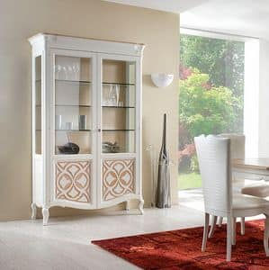 F 202 B, Classic display cabinet in ash, with glass shelves