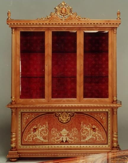 F500 Display cabinet, Classic style showcase, hand-carved wood