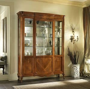 G 203, Classic display cabinet in walnut, focused shades, inlaid