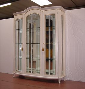 Hilton showcase 3 doors, Classic showcase, ivory lacquered finish