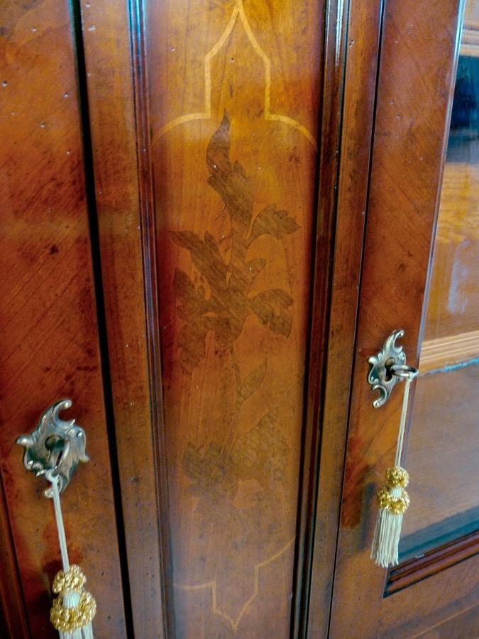 Morandi RA.0600, Showcase in walnut and cherry wood, inlaid, for hotels